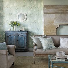 Sanderson - Traditional to contemporary, high quality designer fabrics and wallpapers | Products | British/UK Fabric and Wallpapers | Chestnut Tree (DWOW215708) | Woodland Walk Wallpapers