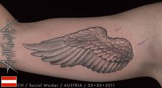detailed wing on the arm,