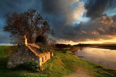 ( landscape photographer of the year 2011 )  Classic view runner-up: Salmon Bothy, River Tay, Scotland, by Angus Clyne, Perthshire