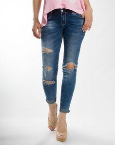 Παντελόνι τζιν ελαστικό με σκισίματα, τσέπες, φερμουάρ και κλείσιμο με κουμπιά  Σύνθεση: 70%  cotton 30% pol  Ιταλικής κατασκευής Skinny Jeans, Pants, Fashion, Skinny Fit Jeans, Moda, Trousers, Fashion Styles, Women Pants, Women's Pants