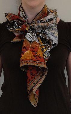 a522571e043d Nouer Foulard, Bijoux, Foulards, Haute Couture, Tenue D été Avec Écharpe