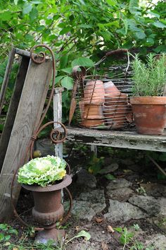 More rustic potting bench love