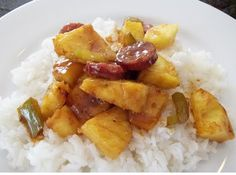 Welcome warm weather back in style with this Kielbasa Pineapple Stir Fry!