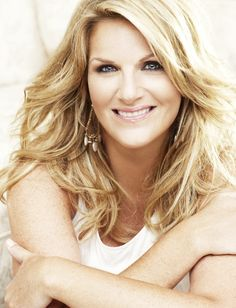 Country music star Trisha Yearwood continues to prove her talents extend beyond her amazing vocals. Yearwood, who already has two best selling cookbooks under her belt, is taking her culinary skills . Country Western Singers, Country Music Artists, Country Music Stars, Country Girls, Country Women, Country Strong, Southern Women, Country Musicians, Country Fair