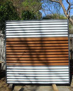 Panou de gard metalic alb-imitatie lemn. Blinds, Industrial, Gardening, Curtains, Metal, Home Decor, Decoration Home, Room Decor, Shades Blinds