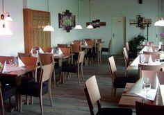 Beginnen sie ihren Tag mit unserem reichhaltigen Frühstücksbuffet im Restaurant. Das Hotel, Restaurant, Conference Room, Dining Table, Furniture, Home Decor, House, Decoration Home, Room Decor