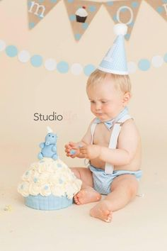 A fun set for any little boys cake smash session :-)