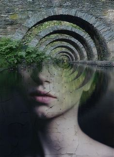 Antonio Mora is a Spanish artist who combines with talent portraits photographed in various landscapes. This intriguing fusion and is visually very interesting to discover in following through a selection of artist's works.