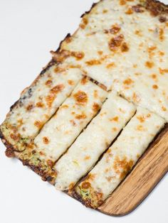 more Atkins than Dukan but something to think about Cheesy Zucchini Breadsticks Recipe, this is the first ever, online recipe for zucchini crusted cheesy bread. It's AMAZING! Zucchini Cheese, Zucchini Bread Recipes, Shredded Zucchini Recipes, Zucchini Sticks, Mexican Zucchini, Recipe Zucchini, Low Carb Recipes, Cooking Recipes, Healthy Recipes