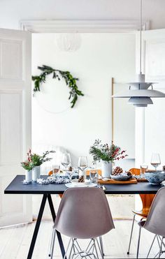 traditional christmas tree This minimalist home is a lesson in chic traditional Christmas decorating