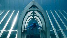 Το Μουσείο Υποβρύχιας Τέχνης (MOUA) στο Τάουνσβιλ της Αυστραλίας, είναι για όλους τους προφανείς και ευνόητους λόγους κάτω από το νερό και, για την ακρίβεια, 20 μέτρα κάτω από την επιφάνεια της θάλασσας. Tο μοναδικό στο είδος του μουσείο στο νότιο ημισφαίριο, φιλοξενεί βυθισμένα γλυπτά του Βρετανού... Jason Decaires Taylor, Surface Magazine, Sea Creatures, Underwater, Neon Signs