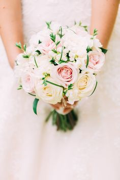 Beautiful brides bouquet. Click the link to read the blog!