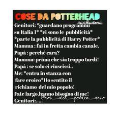 Succede anche a me 🤣🤣potterhead forever Always Harry Potter, Harry Potter Tumblr, Harry Potter Love, Harry Potter Fandom, Harry Potter Memes, Dramione, Drarry, Hogwarts, Fandoms