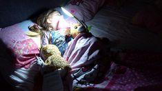Selbstbestimmtes Einschlafen bestimmt derzeit unseren Tagesablauf. Alles hängt damit zusammen, ob das Schlafen klappt oder nicht. Und ich dreh durch.