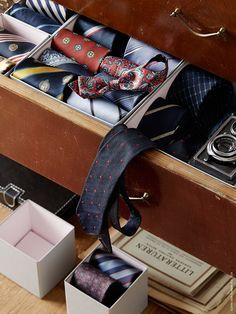 Keep socks, belts and jewelry organized in your dresser drawers with HYFS boxes. Customize your own solution using different boxes from the HYFS series.