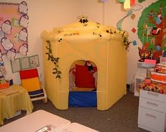 What a cute idea for a reading corner-read in the bee hive.- kids can cash in gotchas to spend time in the bee hive. Classroom Setup, Classroom Design, Kindergarten Classroom, Classroom Organization, Future Classroom, Primary Classroom, Classroom Displays, Classroom Libraries, Classroom Arrangement