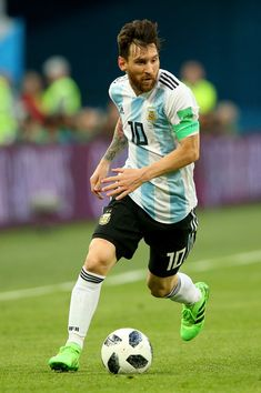 Lionel Messi of Argentina in action during the 2018 FIFA World Cup Russia group D match between Nigeria and Argentina at Saint Petersburg Stadium on June 2018 in Saint Petersburg, Russia. Argentina Football Team, Germany Football Team, God Of Football, Best Football Players, Soccer Players, Antonella Roccuzzo, Fc Barcelona, Petersburg Russia, Saint Petersburg