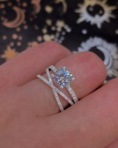 Timeless Classic Engagement Rings For A Sophisticated Bride ★ Engagement Ring Shapes, Dream Engagement Rings, Classic Engagement Rings, Princess Cut Engagement Rings, Round Diamond Engagement Rings, Diamond Wedding Rings, Solitaire Ring, Diamond Rings, Traditional Wedding Rings