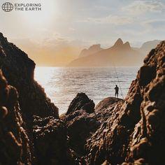 Exploration & Photo by @marcellohenrique Location / Arpoador, Rio de Janeiro, Brasil