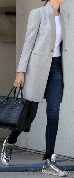 20+ Comfy Winter Casual Outfits with Jeans For Women - Eweddingmag.com Long Sweaters For Women, Casual Winter Outfits, Jean Outfits, Autumn Fashion, Normcore, Comfy, Chic, Jeans, Style