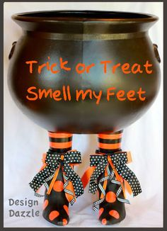 DIY Halloween Prop/Candy Holder. Can be placed as a centerpiece too!