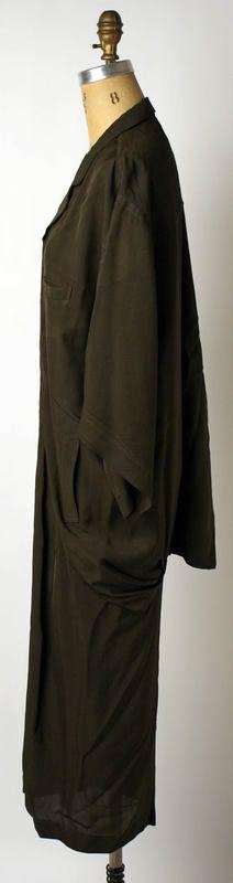 Yohji Yamamoto - 1979 dress  Just. Gorgeous.
