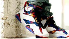Cant ever go wrong with a jordan❗️💸🎄 Jordan 7, Nike Air Jordan Retro, Michael Jordan, Original Air Jordans, Larry Bird, School Shoes, Dream Shoes, Black Pattern, Printed Shirts