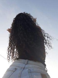 Teenage Girl Photography, Tumblr Photography, Curly Hair Styles, Natural Hair Styles, Crown Aesthetic, Cute Selfie Ideas, Wedding Makeup Looks, Selfie Poses, Beautiful Girl Photo