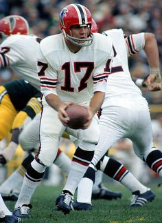 Coming off a Pro Bowl season in Falcons quarterback Bob Berry hoped to steer Atlanta to the playoffs in Despite flinging Falcons Football, Nfl Football Players, Football Uniforms, Football And Basketball, Football Helmets, School Football, Vikings Football, Alabama Football, Baseball
