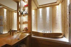 all wood bathroom decor Small Rustic Bathrooms, Rustic Bathroom Designs, Small Bathroom, Wooden Bathtub, Wooden Bathroom, Wood Tub, Bathroom Wall, Bathroom Ideas, Interior Exterior