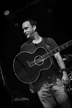 A man and his acoustic guitar. Makes my heart soar and my head all giddy. LOVE this man!