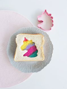 Unicorn Rainbow Sandwiches to try, fun party and school lunch food inspo