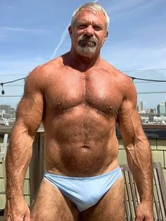 Scruffy Men, Hairy Men, Senior Bodybuilders, Mens Hairstyles With Beard, Daddy Bear, Hommes Sexy, Bear Men, Muscular Men, Mature Men