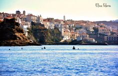 Περπατώντας...στην θάλασσα...από το κάστρο μέχρι τον φάρο