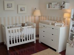 Habitación infantil decorada con la colección ANILLAS de tirador semicircular de Piccolo Mondo.