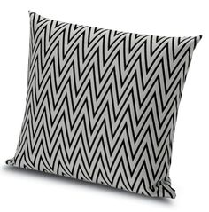 Classic Missoni zigzags in black and white, perfect for the pool, patio, or garden. From the MissoniHome Poppies Outdoor collection.