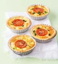 Recepty: Quiche s lučinou a rajčaty Bon Appetit, Quiche, Baking Recipes, Paleo, Food And Drink, Appetizers, Pizza, Snacks, Meals