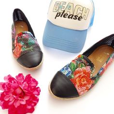 """Kendall & Kylie Madden Girl Floral Espadrilles In excellent-used condition, {shows minor signs of wear on the sole}. Has a perforated outer, with a gorgeous floral design. Perfect for spring/summer! Size 6.5. These are the """"Popppyy"""" design and are harder to find! Smoke/pet free home. Ask all questions before buying  no trades ❌ bundle for a discount  •Hat NFS• Madden Girl Shoes Espadrilles"""