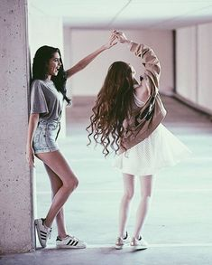 Dancing Poses For Pictures Fun 39 Ideas Bff Pics, Photos Bff, Cute Friend Pictures, Friend Photos, Girl Photos, Photos Tumblr, Bff Posen, Best Friend Fotos, Friend Poses Photography