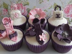 Fashionista cupcakes (artists: Cotton and Crumbs) via zenandgenki Pics of the Week 37