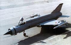 Mikoyan-Gurevich-Ye-152M-Flipper.jpg (JPEG resmi, 1236 × 783 piksel) - Ölçek: %88