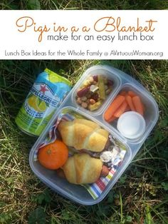 This easy lunch box for the whole family is simple to put together. You'll love these Pigs in a Blanket lunch box ideas. Picnic Lunches, Lunch Snacks, Box Lunches, Kids Lunch For School, Healthy School Lunches, Pigs In A Blanket, Easy Lunch Boxes, Lunch Box Recipes, Lunch Meal Prep