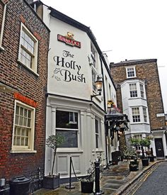 One of Hampstead (and London)'s best known pubs. The Holly Bush has been an inn since the early 19th Century and was a private house for some time before that