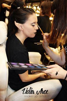 Modeo: Isabel Fuentes Make Up: Lidia Arce Make Up Artist Aplicación carne artificial dandole forma puntiagudas a las orejas y tapado de cejas.