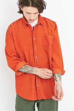 http://www.urbanoutfitters.com/de/catalog/productdetail.jsp?id=5421621550132&category=MENS-TOPS-EU