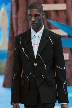 Suit Fashion, Runway Fashion, Mens Fashion, Fashion Menswear, Men Fashion Show, Fashion 2015, Fashion Hats, Fashion Watches, Fashion Fashion