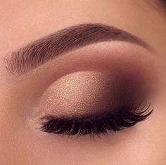 mil me gusta, 839 Commentaires - Fashion Illusion ( en Ins - make up :) - ausformung bemalung maquillaje makeup shaping maquillage Prom Makeup Looks, Cute Makeup, Glam Makeup, Skin Makeup, Makeup Inspo, Bridal Makeup, Eyeshadow Makeup, Makeup Inspiration, Eyeshadows