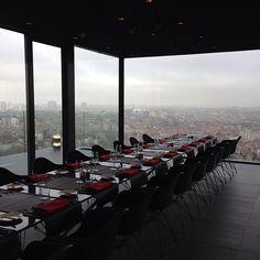 Welcome to The C Experience ! Restaurant gastronomique éphémère à 122m au dessus du sol #thecexperience #unique