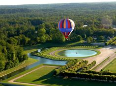 So I booked our adventure with France Montgolfiere That's how we found ourselves Ballooning Over Chateau de Fontainbleau on a cool October evening! Balloon Rides, Trip Planning, France Vacations, Places To Go, Beautiful Places, Paris, Rich Girl, Explore, Adventure