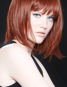 Le carré sophistiqué Idéale pour les cheveux fins, cette coupe dégradée sur les pointes et sublimée par une frange donne du pep à la chevelure.